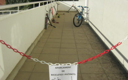 Nou aparcament de bicicletes i patinets