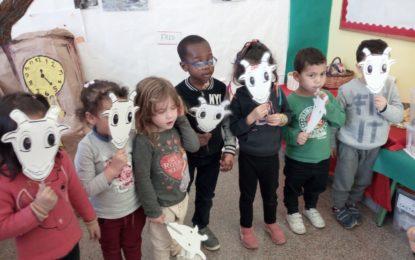 """Teatre P4 """"Les set cabretes i el llop"""""""