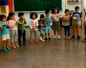 Cançó tipi tipi tap instrumentada pels nens i nenes de P3 A I B