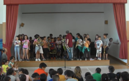 Concert UIUI a l'escola